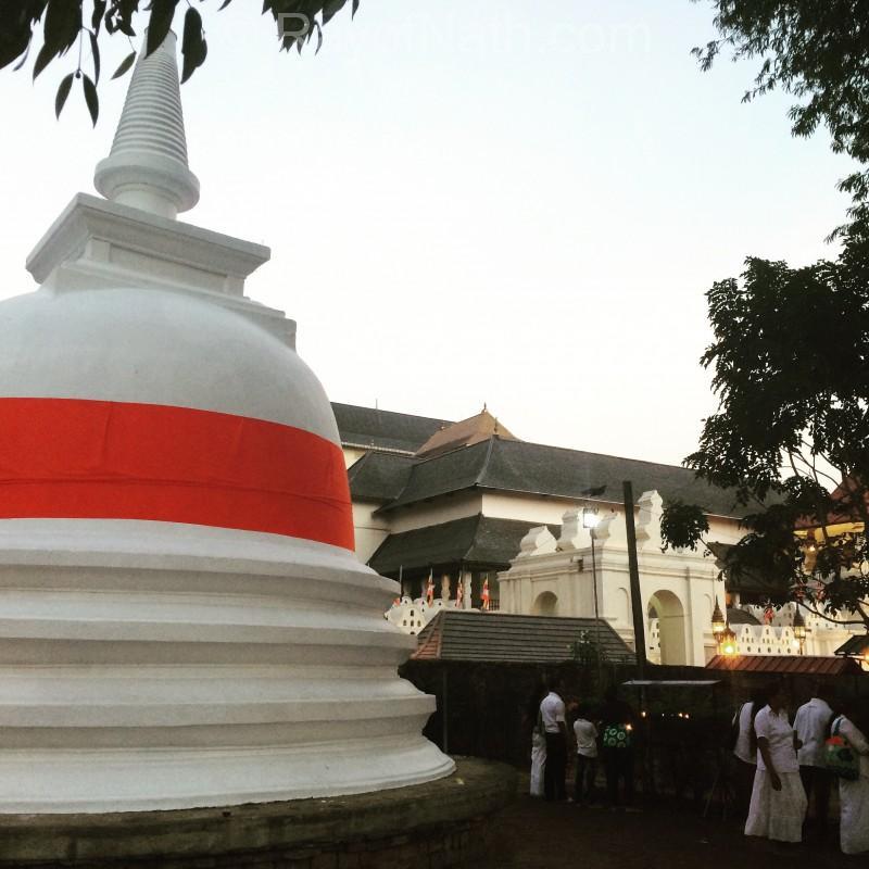 Pagoda dans un temple bouddhiste