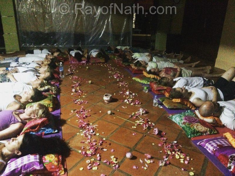 Méditation de pleine lune, la première que j'animais au Vagabond Temple, Cambodge