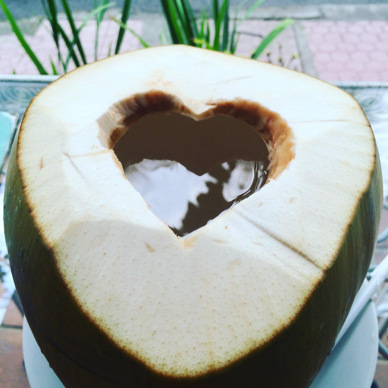 Noix de coco avec ouverture en coeur