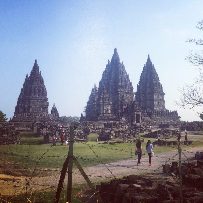 Vue d'ensemble sur Prambanan