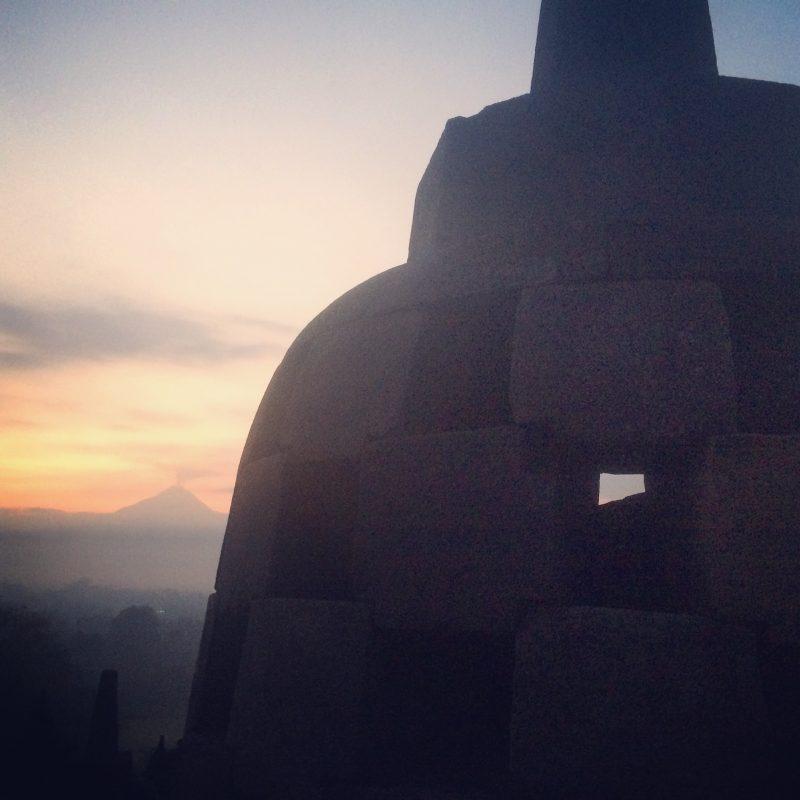 Lever du soleil à Borobudur