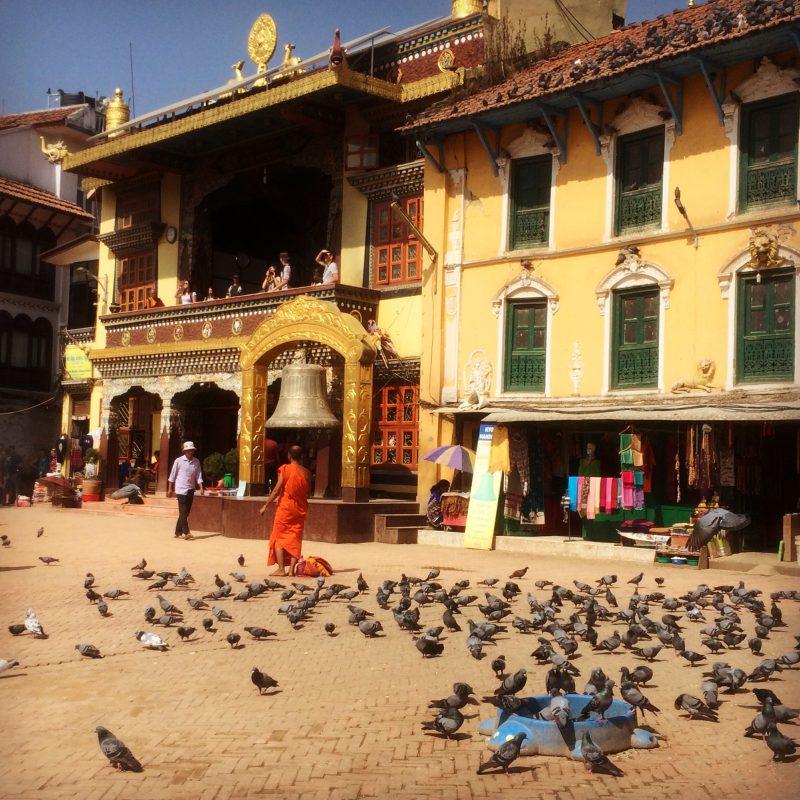 Aperçu sur le monastère qui fait face au stupa, Boudhanath