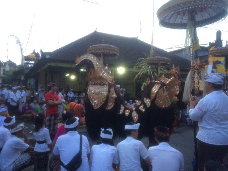 Barong, Galungan, Bali