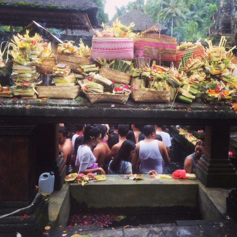 Offrandes Tirta Empul, Bali