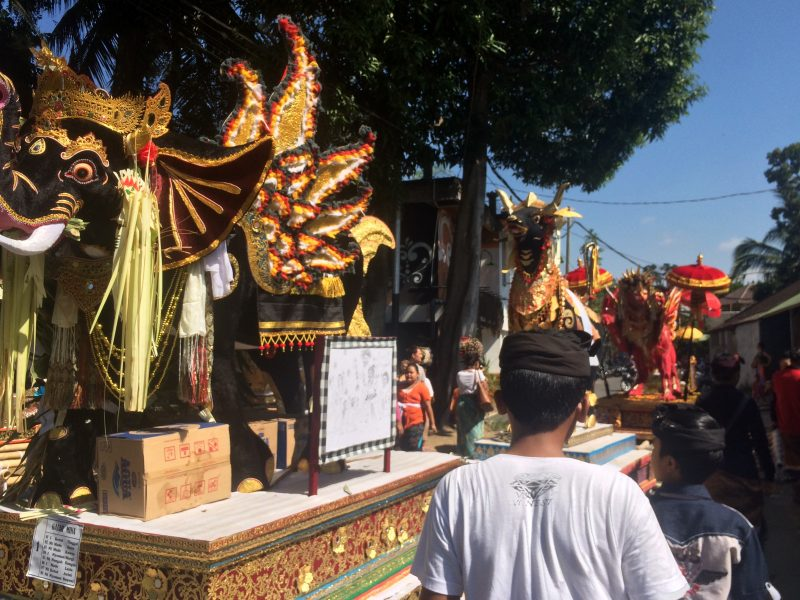 Sarcophages, crémation, Bali