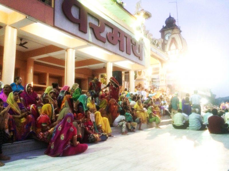 Aarti à Parmath Niketan, Rishikesh, Inde